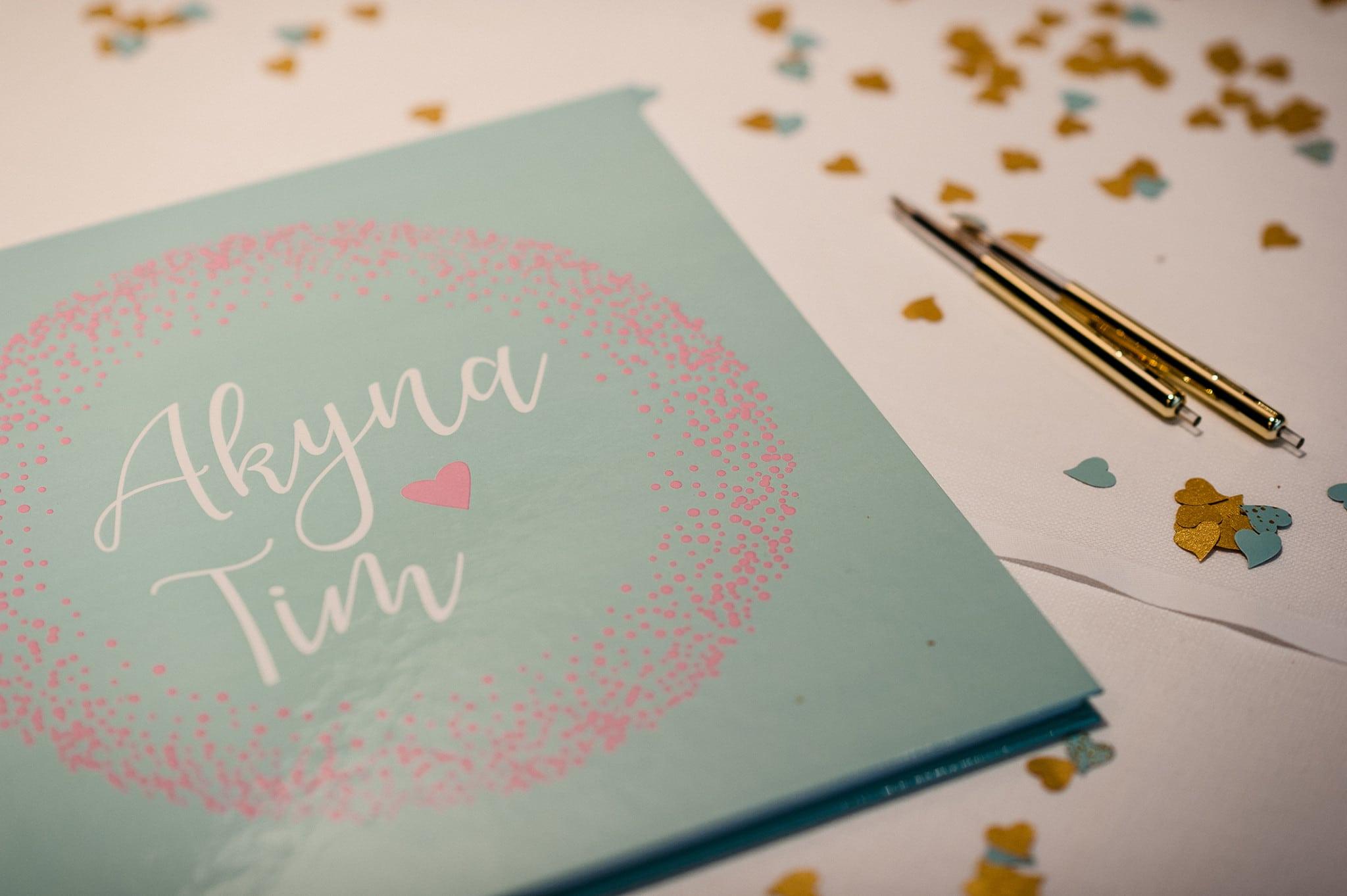 Gastenboek Akyna & Tim